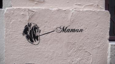 graff,graffiti,stencil,pochoir,cœur,coeur,maman,amour,mur,street art,streetart