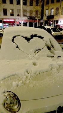 love,cœur,neige,dessin dans la neige,snow graffiti