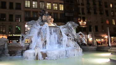 fontaine,Bartholdi,fontaine Bartholdi,glace,eau,gel,place des Terreaux,froid