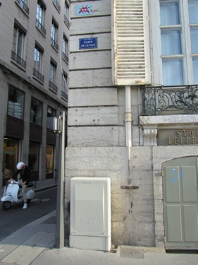 space invader,street art,streetart