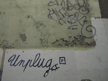 graff,graffiti,street art, streetart,électricité,unplug