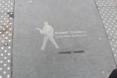 combas,street art,streetart,communication,exposition,urbain,ville,art,peinture