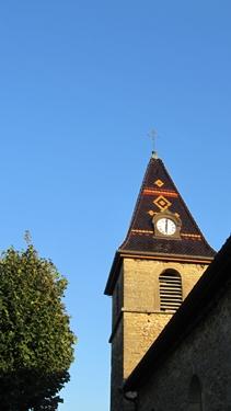 ciel bleu,église