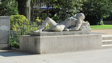 sculpture,art public,venus,apollon,nu,nudité,art,paul belmondo,art public,place,amour