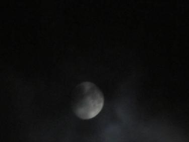 Moon-19_10_10.jpg