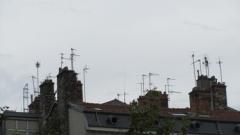 ville,urbain,rue,toit,antenne,cheminée