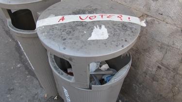 élection,élection présidentielle 2012,rue,graffiti,poubelle,ordure