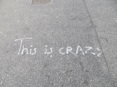 crazy,trottoir,graff,graffiti,numéro de téléphone,message,rencontre