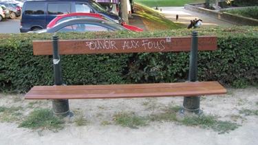 banc,banc public,folie,graff,graffiti,street art,sreetart,pouvoir