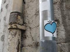 ville,urbain,rue,coeur,cœur,sticker,street art,streetart,rue