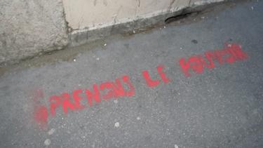 pouvoir,graffiti,graff,trottoir,urbain,ville,politique,expression