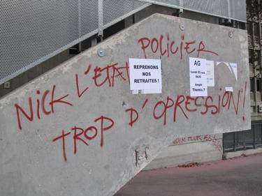 Riot-graffs-6.jpg