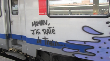 train,graffiti,graph,vandale,roulant