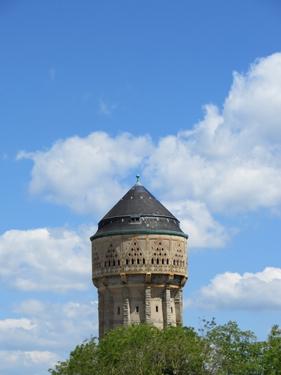 ciel,nuages, château d'eau