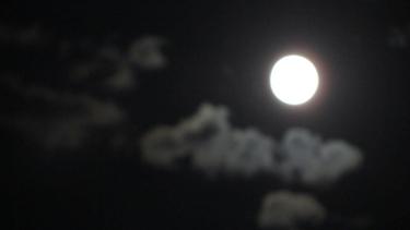 soleil,couchant,lune,nuages